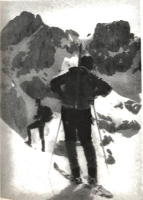Primera travesía de esquís Enol-Soto de Sajambre (Foto Torrecerredo), 1973